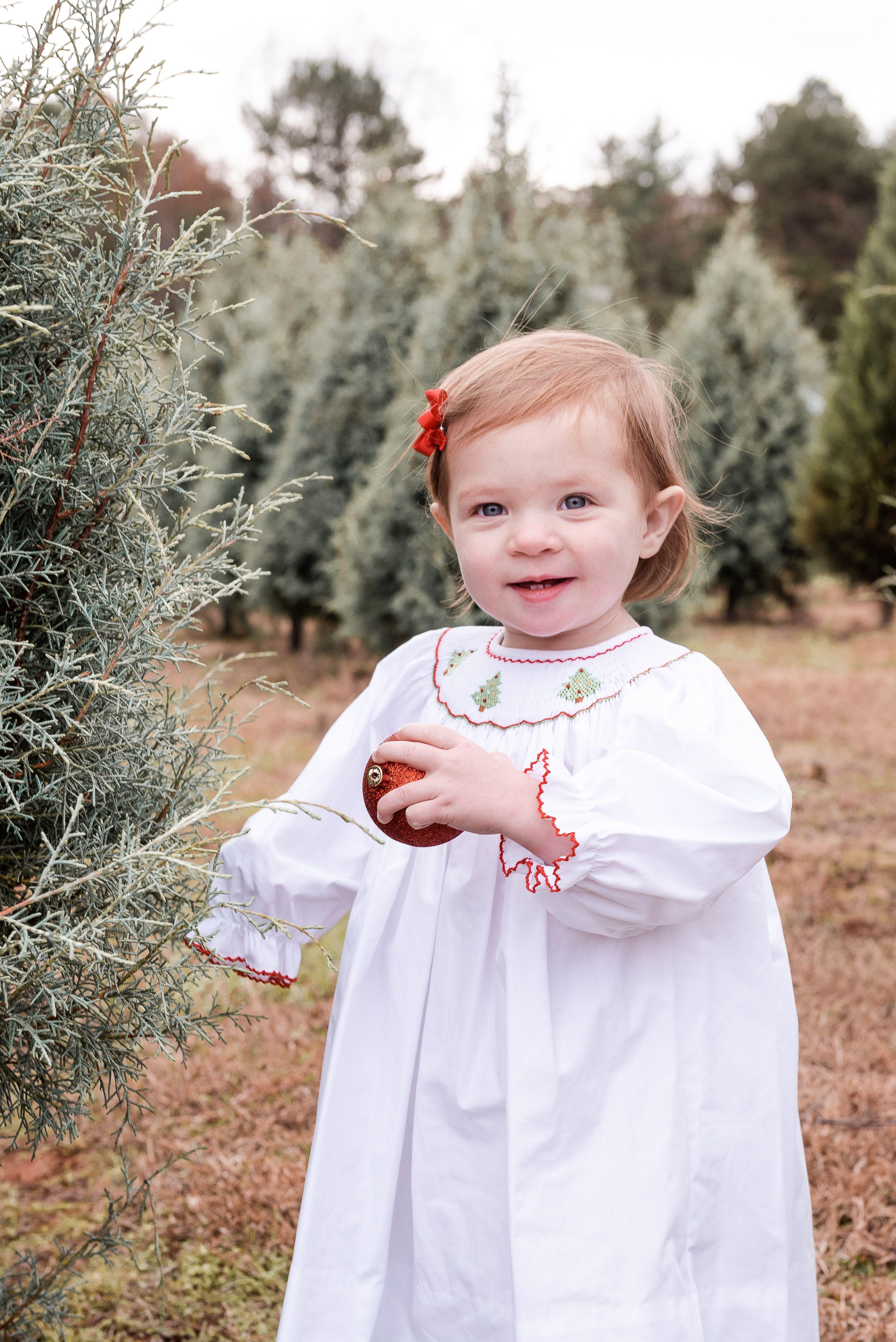 Mystic Tree Farms In Greenville Sc Christmas Photography Flower Girl Dresses Flower Girl