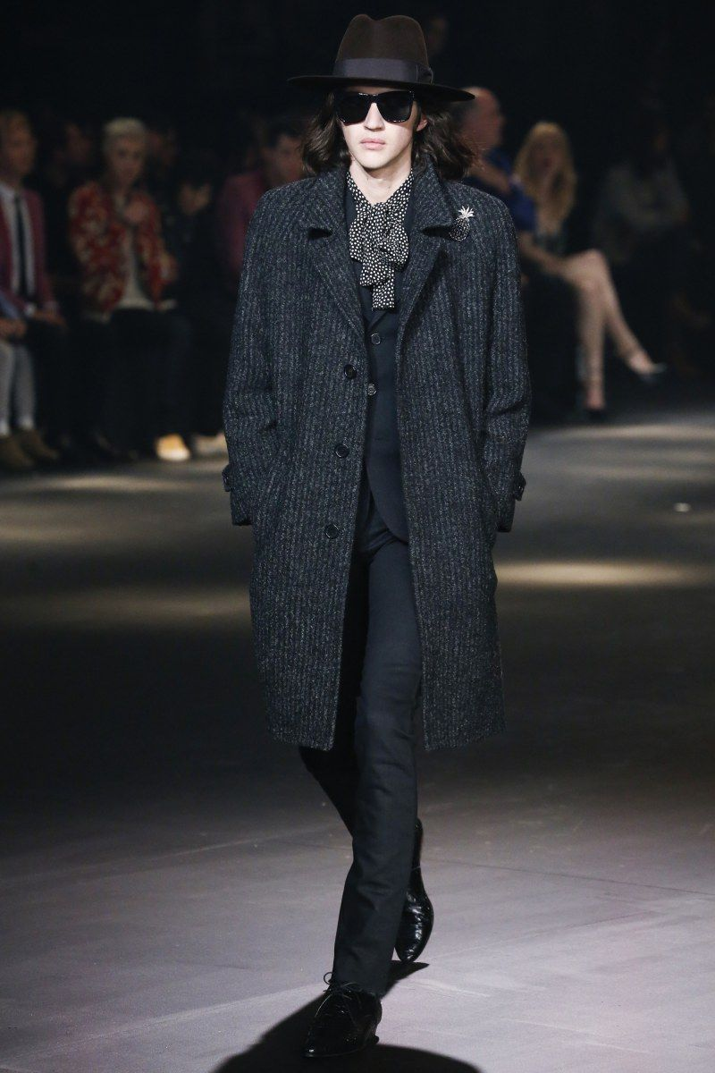 WORLD FASHION NEWS 13.2.2106....SAINT LAURENT FASHION FALL 2016 MEN. WOMEN. MENSWEAR MEN can wear other colours, material too. Style&Allways Good choice Black cloths. Leather is Classic too.  Asseccories Hat, Scarfs are important ...