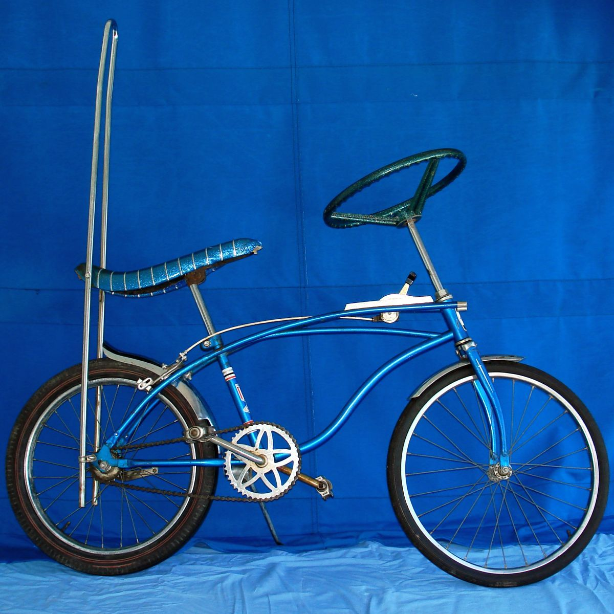 304569c80ae Vintage Huffy Dragster Muscle Bike Blue Banana Seat Sissy Bar Bicycle