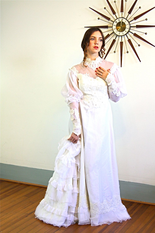 70s Wedding Dress Boho Wedding Dress Vintage Wedding Gown Etsy Boho Wedding Dress Vintage Wedding Dress Boho 70s Wedding Dress [ 1500 x 1000 Pixel ]