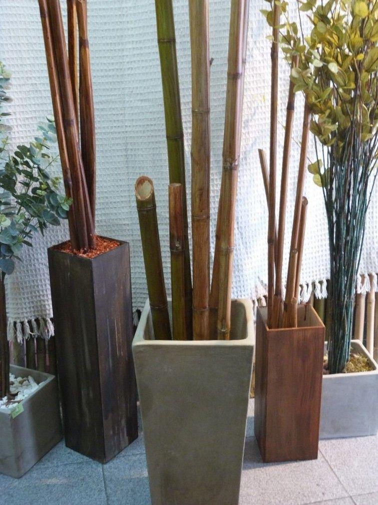 15 ideas para decorar con bambú Patios, Lanai and Urn - decoracion con bambu