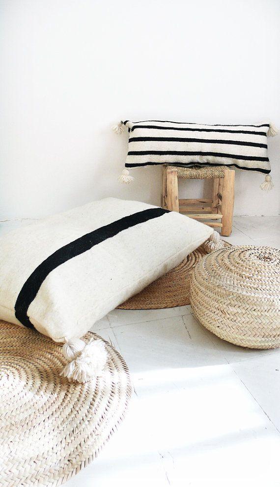 Cojín de suelo de lana gigante - pompones negro - tira negro