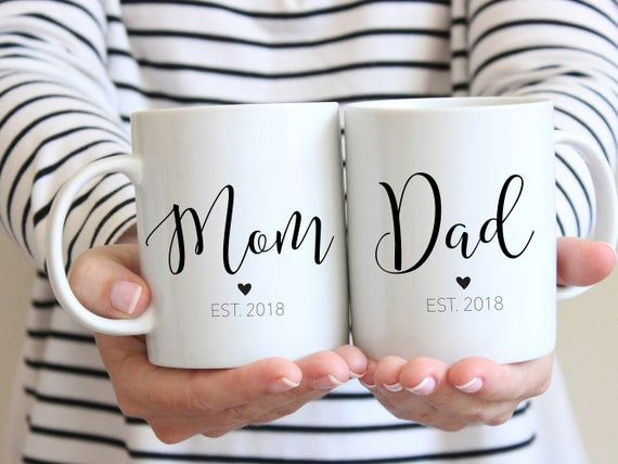 Mom Gift, New mom gift, Dad gift, Pregnancy Announcement, Mom and Dad mugs, Mother's Day, New Parents Gift, Custom Mugs, Baby Shower Gift #custommugs