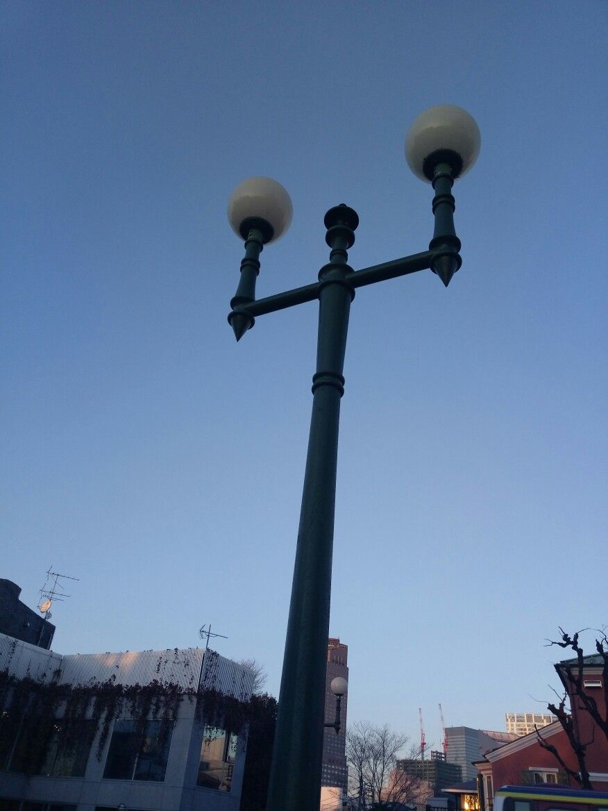 Pin By Wei Fen Wang On Street Lamps In Tokyo Street Lamp Building Lamp Post