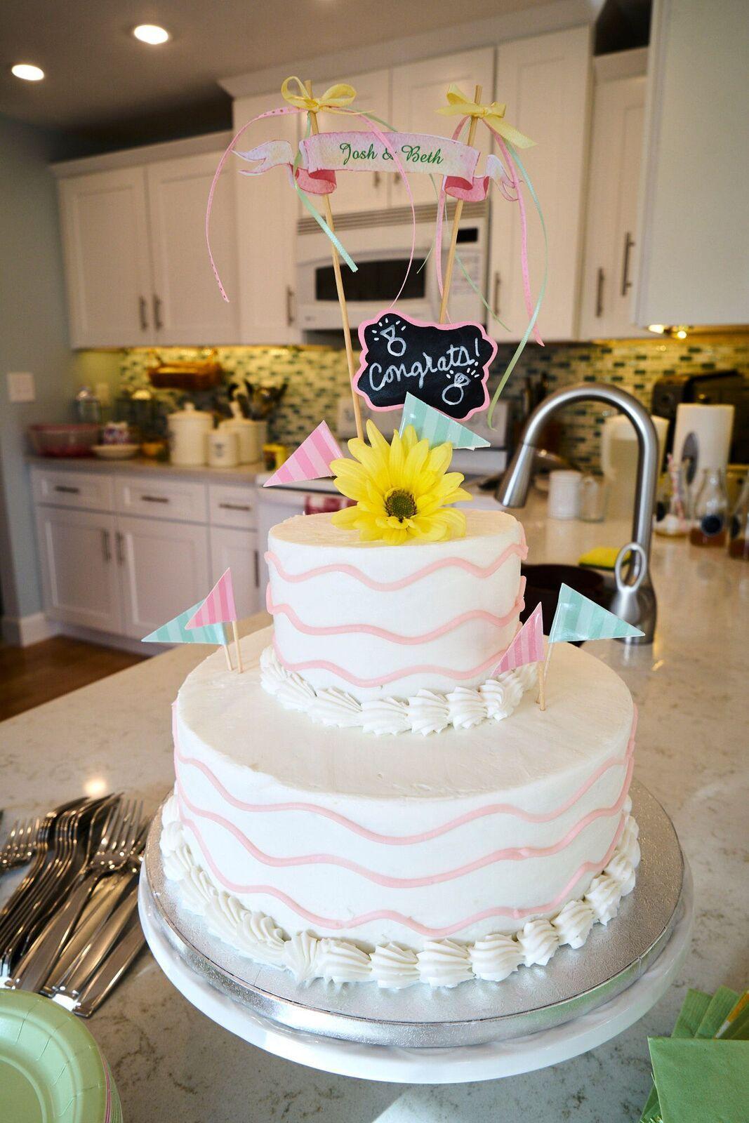 Cake Is From Sam S Club Chocolate Top Tier Vanilla Bottom Tier Sams Club Wedding Cake Sams Club Cake Wedding Cake Prices