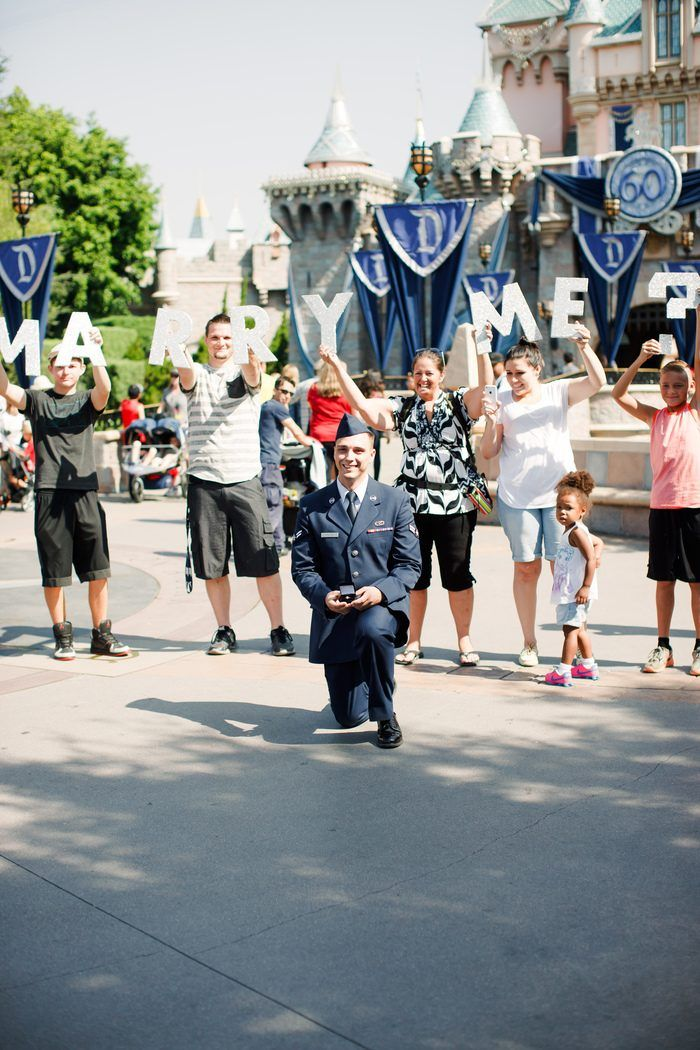 Summer And Camdens Disneyland Proposal On Howheasked Romantic