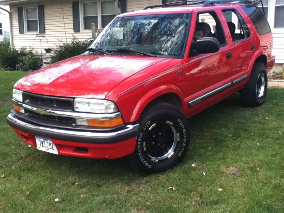 2000 Chevy Blazer TRT edition ( Team RealTree). I finally
