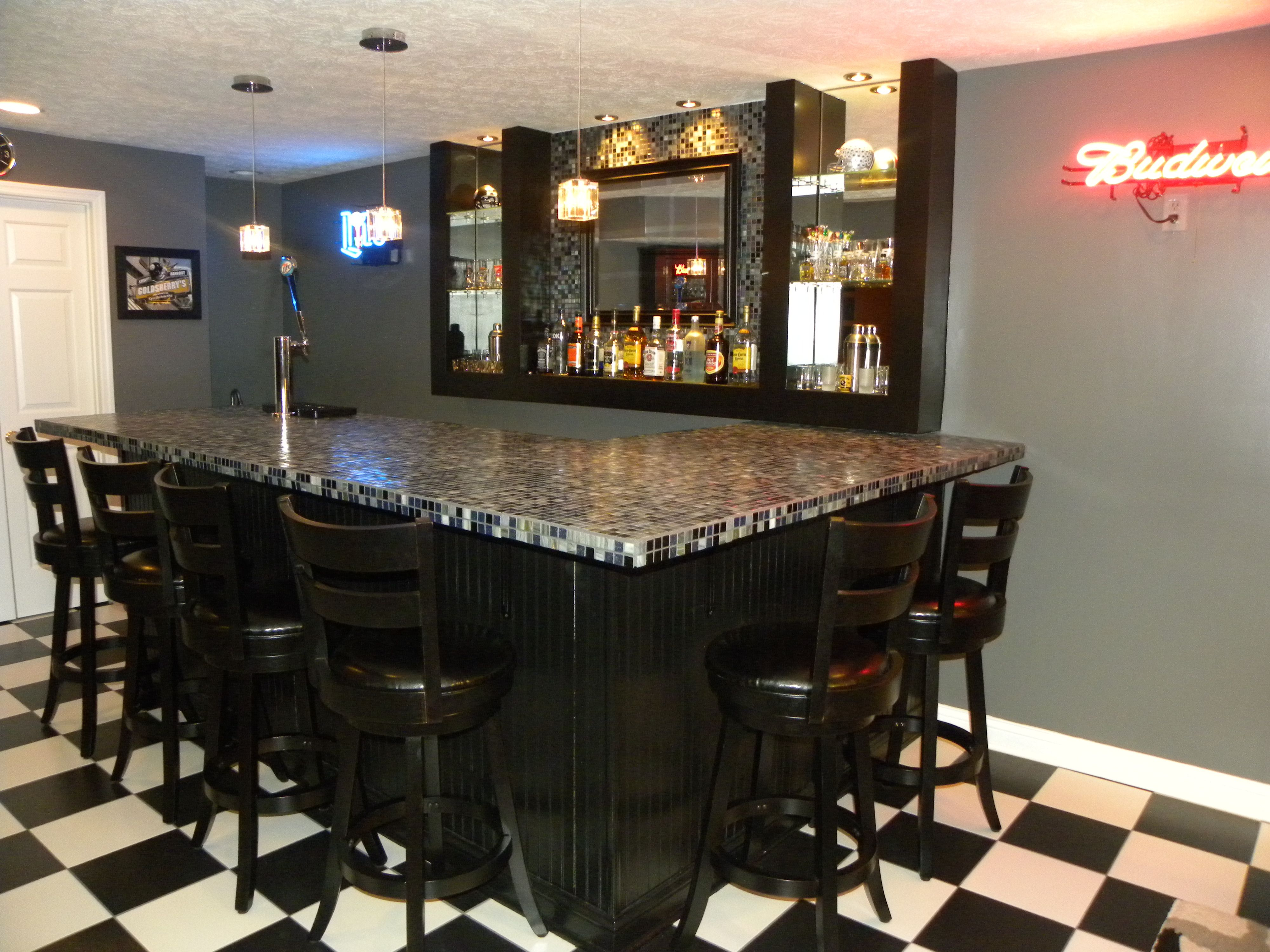 Basement bar diy pinterest - Basemant with bar ...