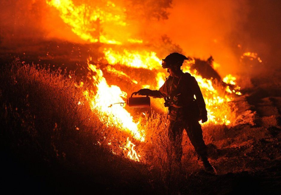 Predictive Fire Mapping App Helps Los Angeles Fire Department In Battle The Wifire App Is Meant California Wildfires Los Angeles Fire Department Vacation Spots