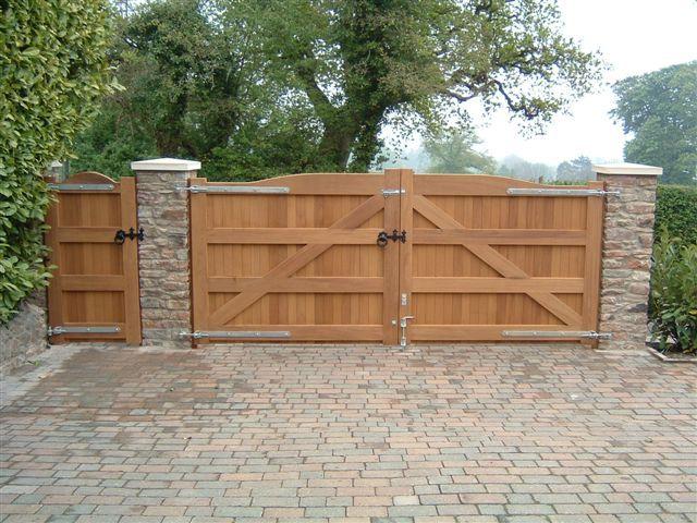 Gallery Wooden Electric Gates Backyard In 2019 Driveway Gate