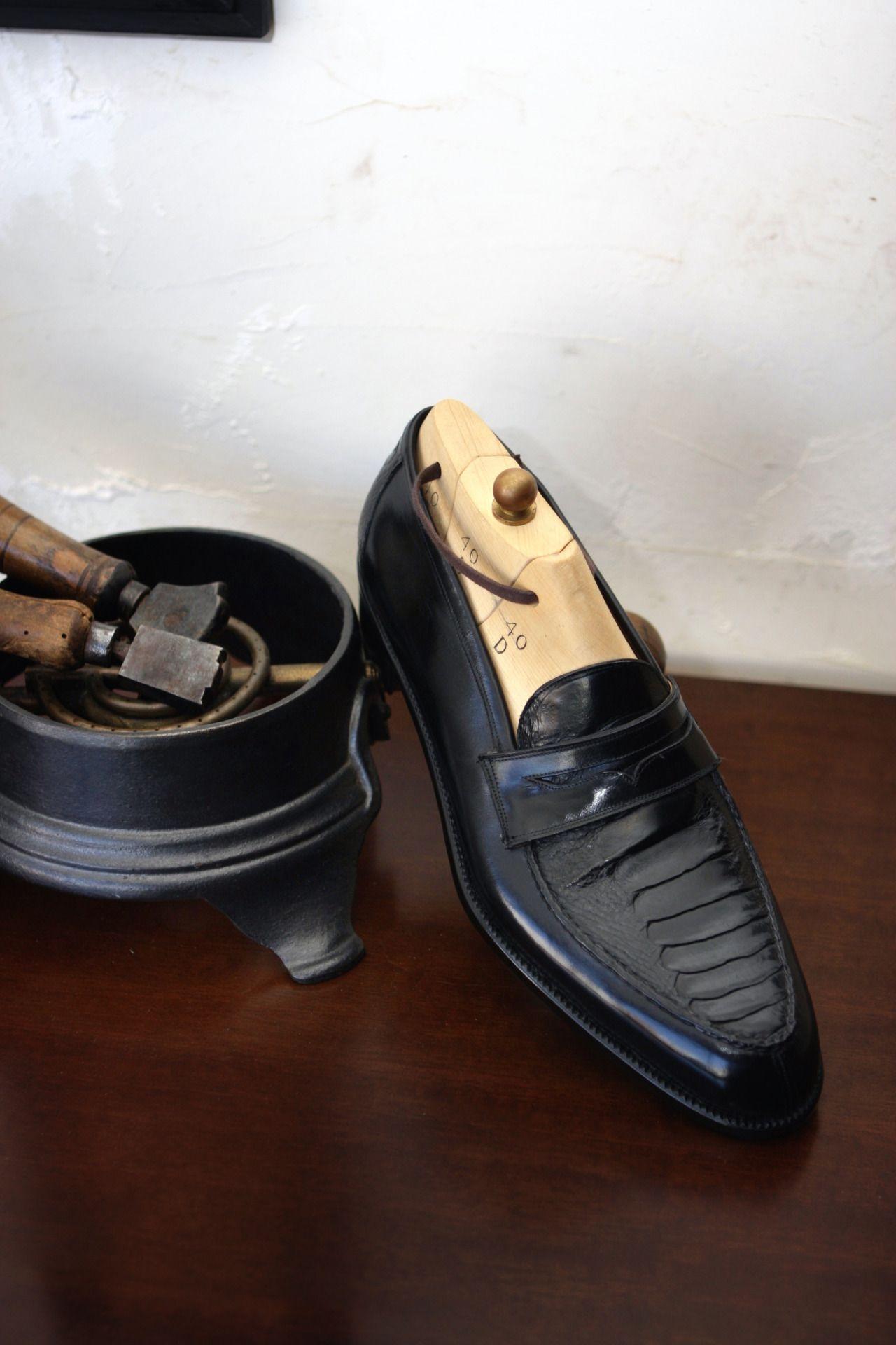 """ilquadrifoglio: """" il Quadrifoglio Ostrich Leg Leather Penny Loafer Official Site : http://ilquadrifoglio-kobe.com/ Calzature Su Misura, prodotto di KOBE fatto a mano """""""