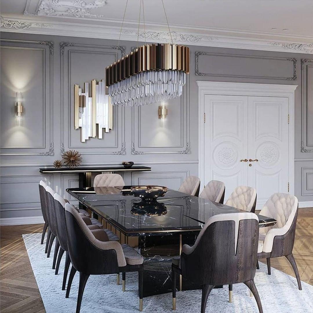 Luxus Esstisch Mit Gold Und Tollen Gepolsterten Stühlen Dining Room Table Decor Luxury Dining Tables Dining Room Decor