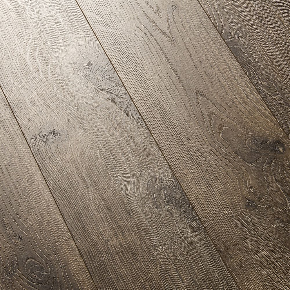 A Medium Brown Tone With Rustic Knots Quick Step Elevae Terrain Oak 12mm Laminate