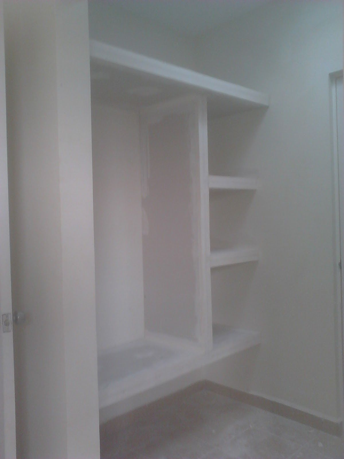 Img01017 Jpg 1200 1600 Muebles Para Banos Pequenos Closet De Pared Closet De Tablaroca