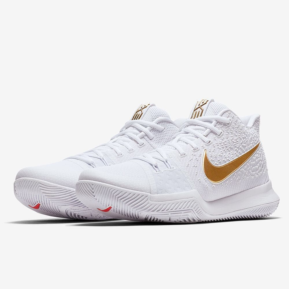60 1k Likes 468 Comments Sneaker News Sneakernews On Instagram Yet Another Outstand Girls Basketball Shoes Nike Basketball Shoes White Basketball Shoes