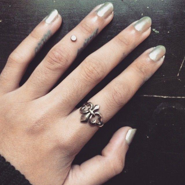 Best 25+ Finger Piercing Ideas On Pinterest | Finger Dermal, Unusual  Piercings And Henna Finger Tattoo