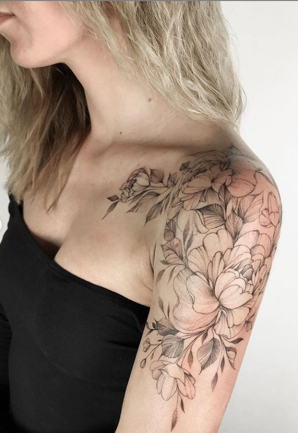 20 Unique Flower Sleeve Tattoo Design Ideas For Woman To Look Great Page 14 Of 20 Latest Fashion Trends For Woman Classy Tattoos Shoulder Tattoos For Women Tattoo Sleeve Designs