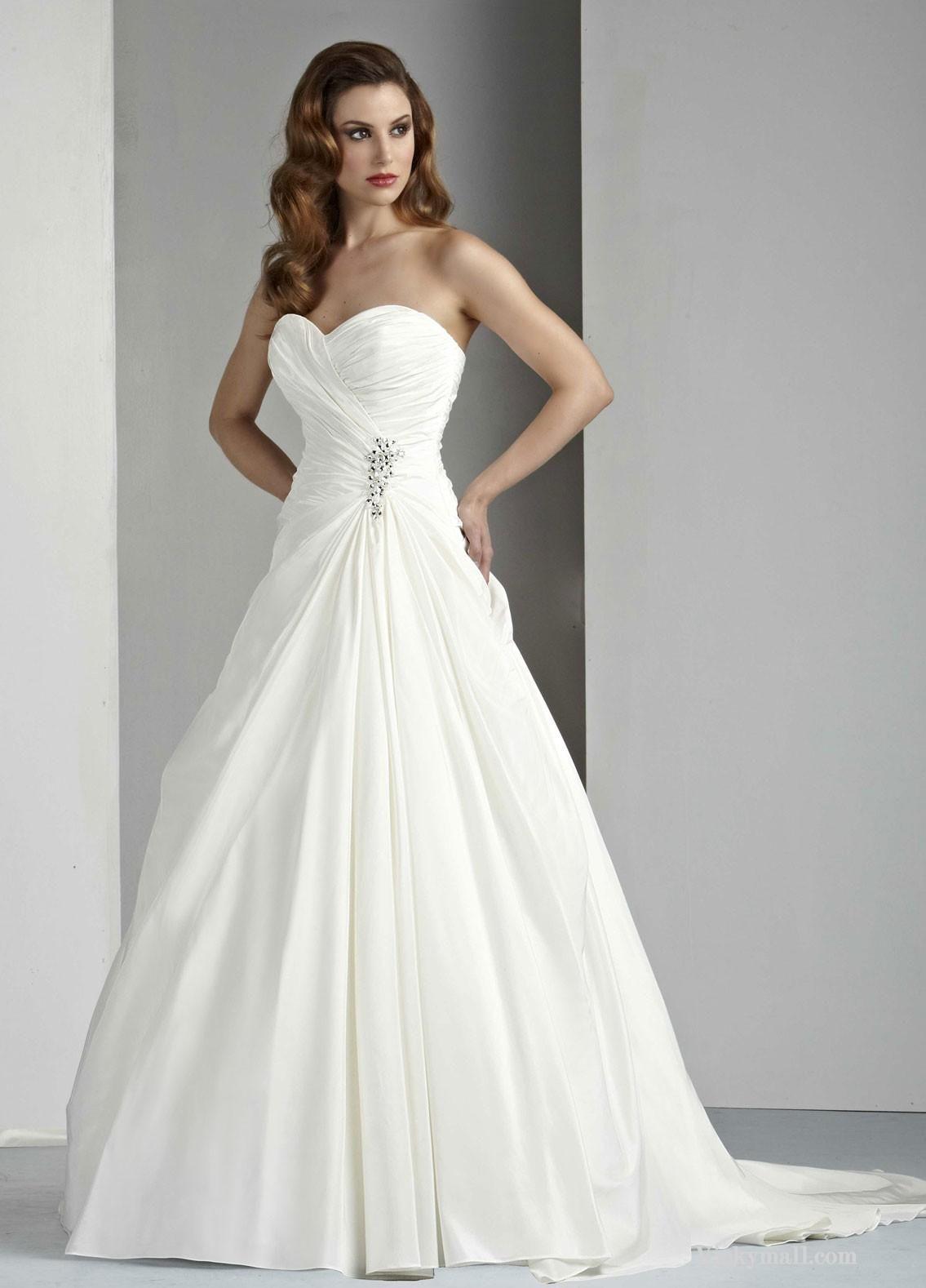 Sweetheart strapless wedding dress  Chic Designed Pure White Wedding Piece in Taffeta  Wedding dress
