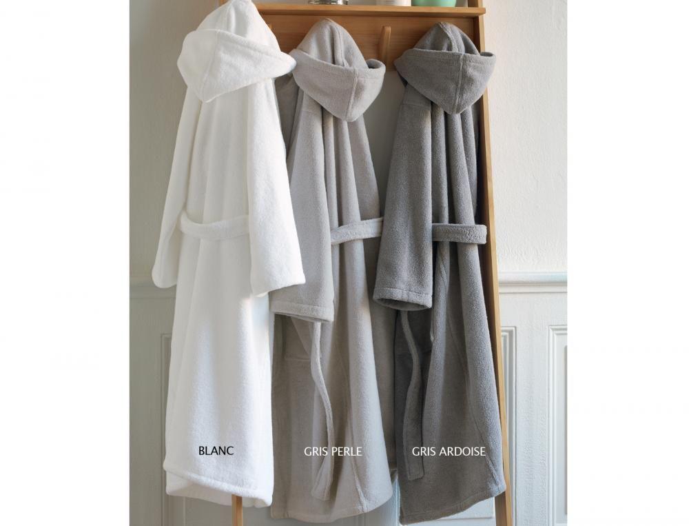 Les 25 meilleures id es de la cat gorie peignoir de bain sur pinterest peignoirs de bain - Patron gratuit robe de chambre femme ...