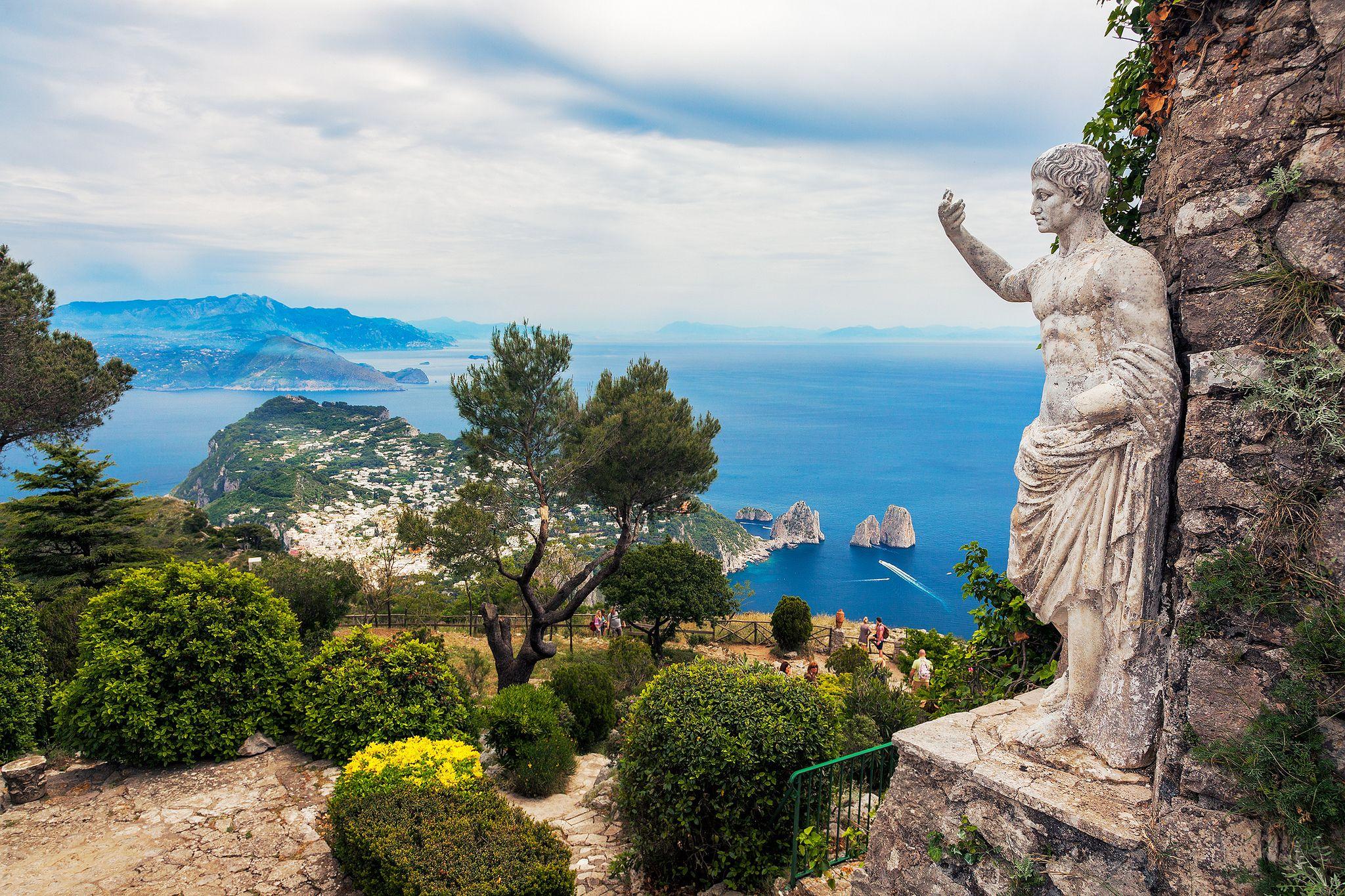 Capri, Anacapri, Italy - Amazing blue color ocean here in ... |Capri Italy Golf