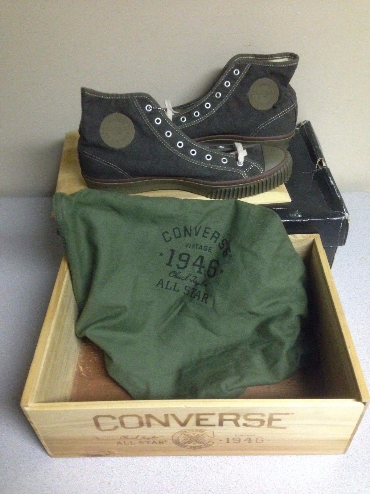 Converse Chuck Taylor All Star Vintage Limited Edition 1946 + Wood Box 50475 07ae82c05