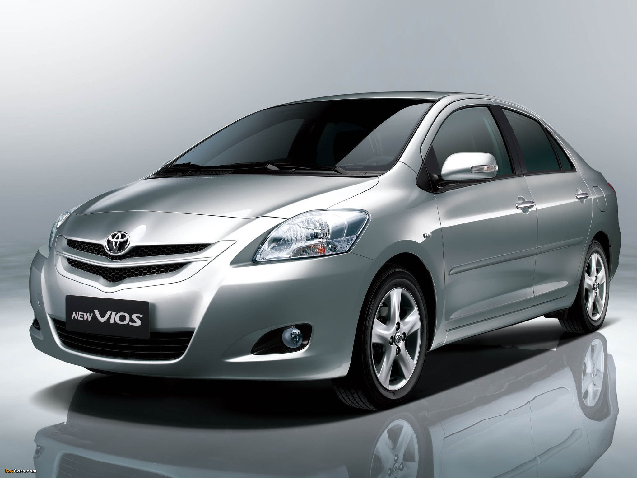 Toyota vios vietnam car hire sedan air conditioning seat belt new model lastest bottled mineral water tissue outside inside cleanse baby seat upon