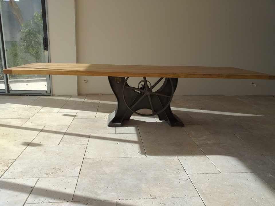 Grande Table Industrielle Design Pied Central Ancien En Fonte Table Salle A Manger Salle A Manger Industrielle Table Industrielle