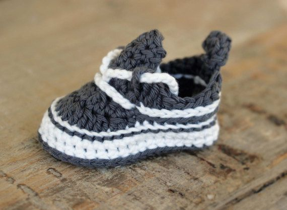 Crochet Baby Booties Pattern Baby Booties por HandHeartandSole ...