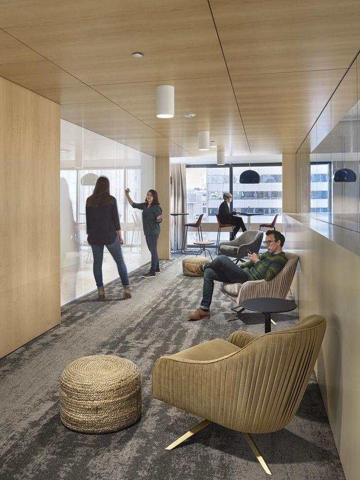 Office tour civis analytics offices chicago new - Interior design companies chicago ...