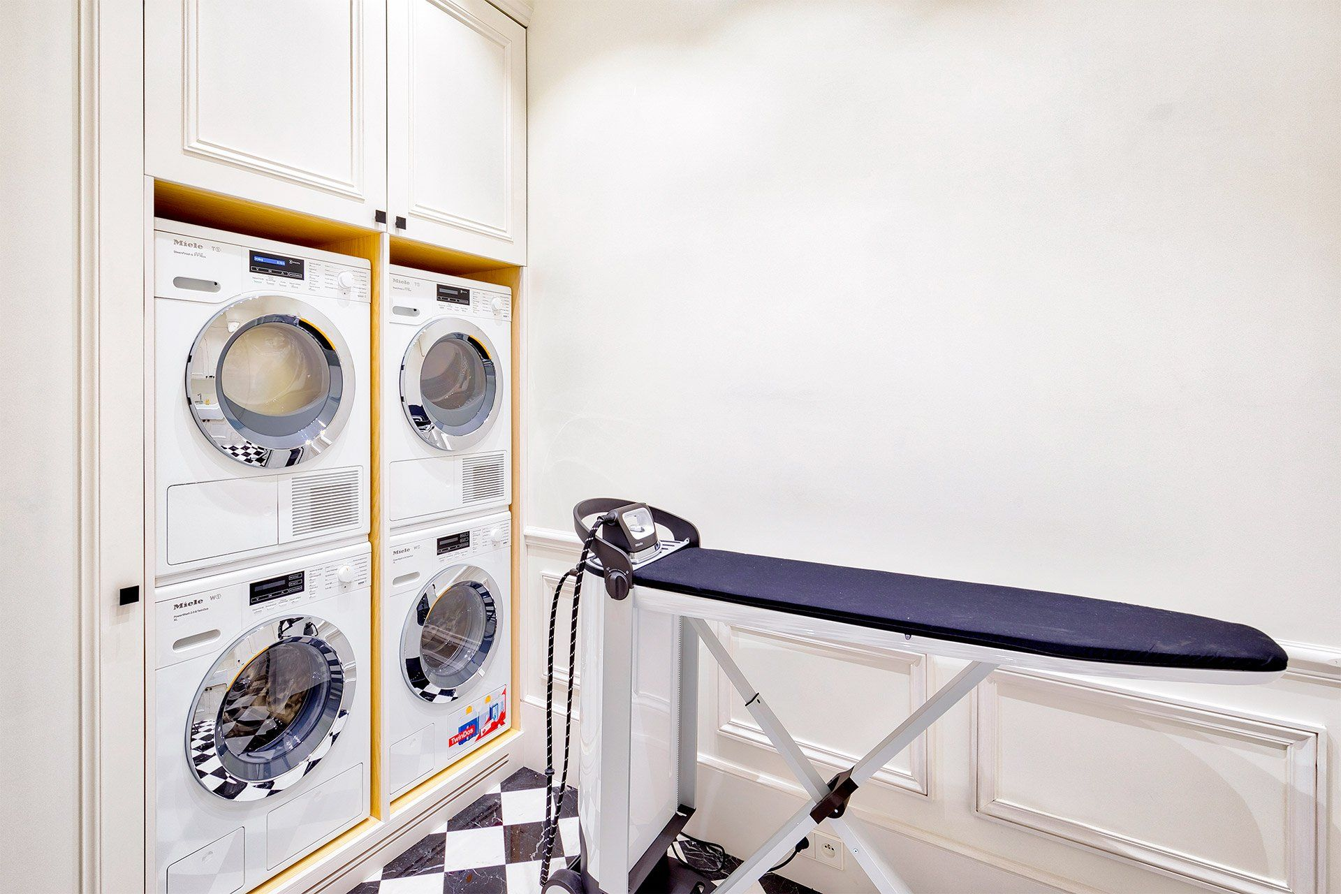 Functional laundry room off of the kitchen in 2020 Long