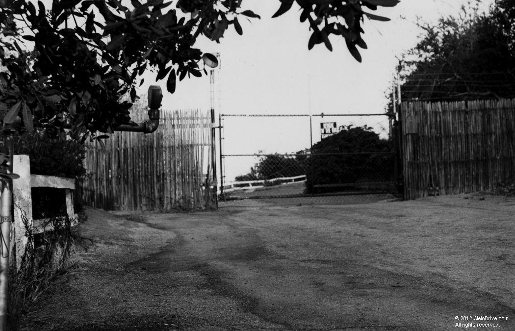 10050 Cielo Drive Crime Scene Photos
