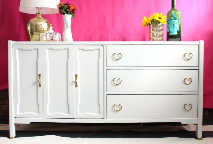 High Gloss Furniture White Credenza The Resplendent Crow Fine Paints Of Europe Mount Vernon Collection Dogwood Broyhill Painted Glossy