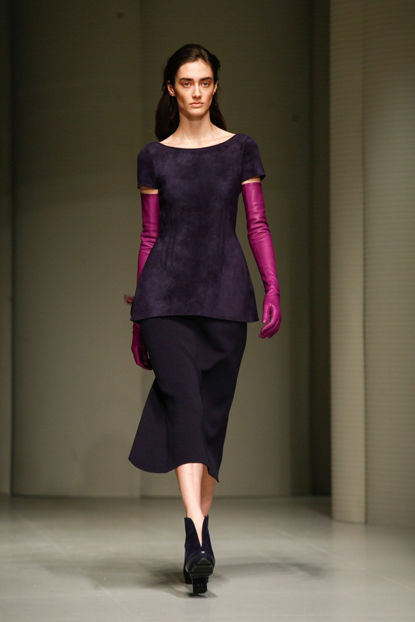 Salvatore Ferragamo's FW17 debut at MFW was filled with amazing structures, sleek cuts and vibrant hues.