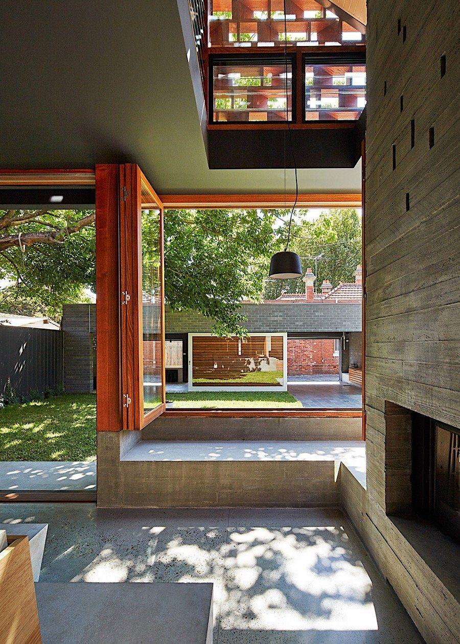 Innovatives Wohnhaus mit fließendem Übergang zwischen innen und ...
