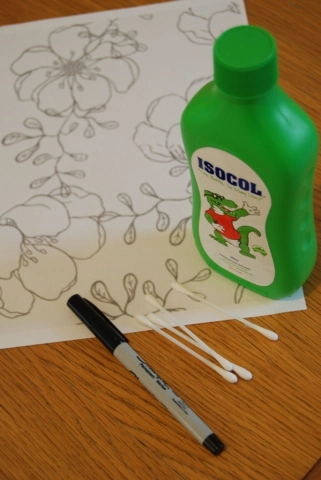Photo of Floral Fabric Art with Sharpies [Tutorial]