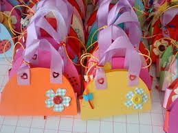 Αποτέλεσμα εικόνας για γιορτή μητέρας κατασκευές