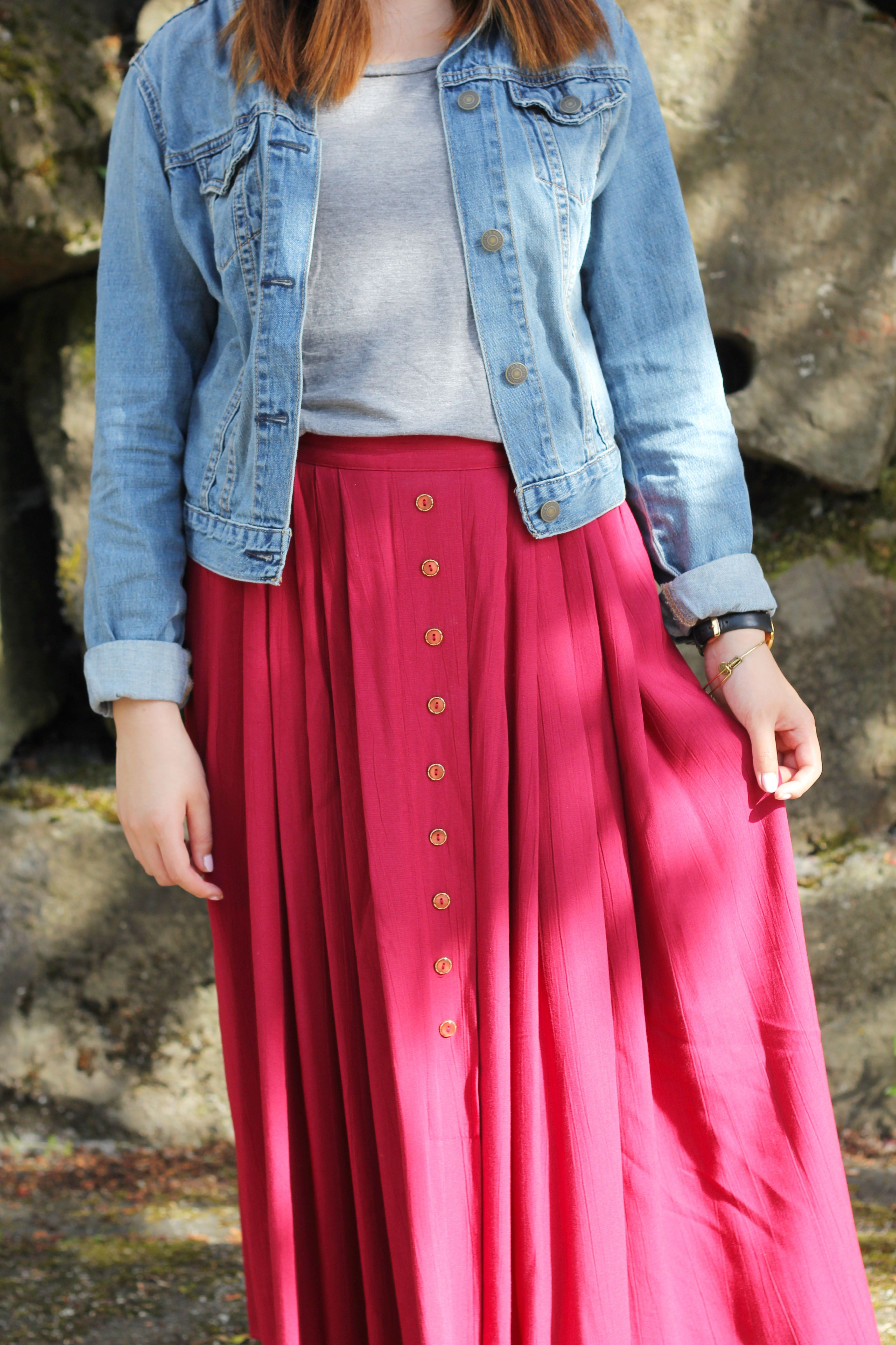 Pink dress with jean jacket  Red Maxi Skirt with Jean Jacket Outfit  spring u summer style