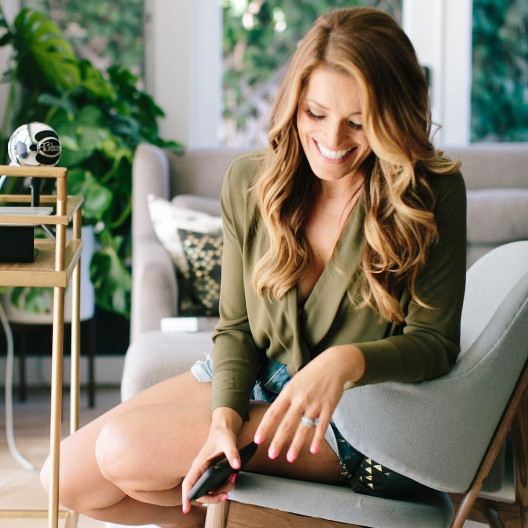 Jasmine Star | How to Use Facebook Live for Your Business13920053_10154079702122284_8654967196756240087_o