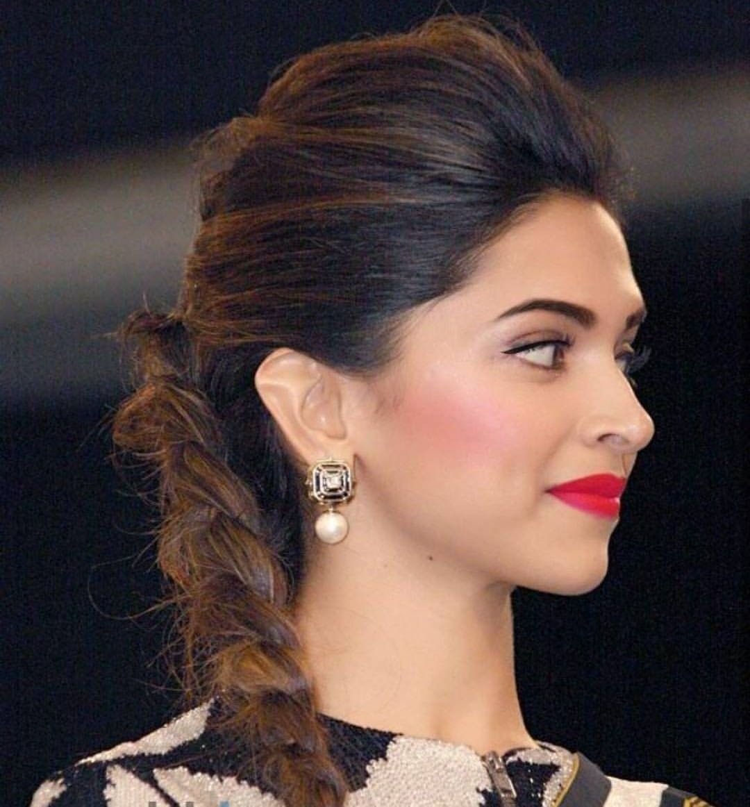 Deepika Padukone | Deepika hairstyles, Stylish hair, Hair puff