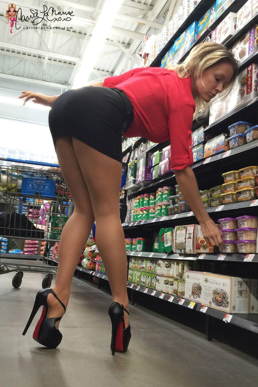 Opinion amateur wife short skirt heels