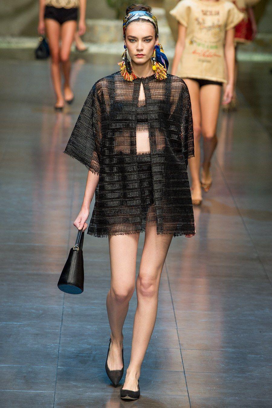 b8600ce8d940 Dolce   Gabbana Spring 2013 Ready-to-Wear Fashion Show in 2019 ...