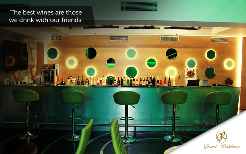 Saturday night can never be complete without sizzling drinks and amazing friends. Unwind in the luxurious Bliss bar at Hotel Grand Residence, Porur, Chennai  www.hotelgrandresidence.com   reserve@hotelgrandresidence.com   044 2476 7611  #GrandResidence #GrandResidencePorur #Porur #Chennai #Hotel #BlissBar #Bar