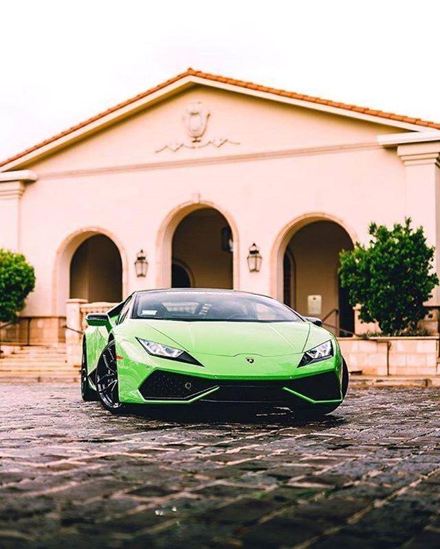 Lamborghini Huracan (With Images)