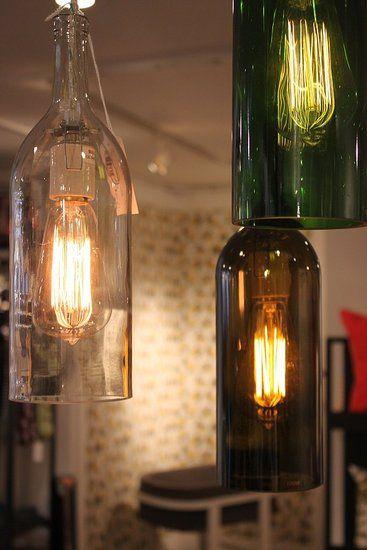 JAUZA tässä vasta onkin! Sekä pulloi et noita bulbei.  Upcycled bottle pendant lights
