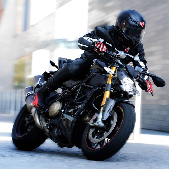 Ducati Streetfighter S, Ducati