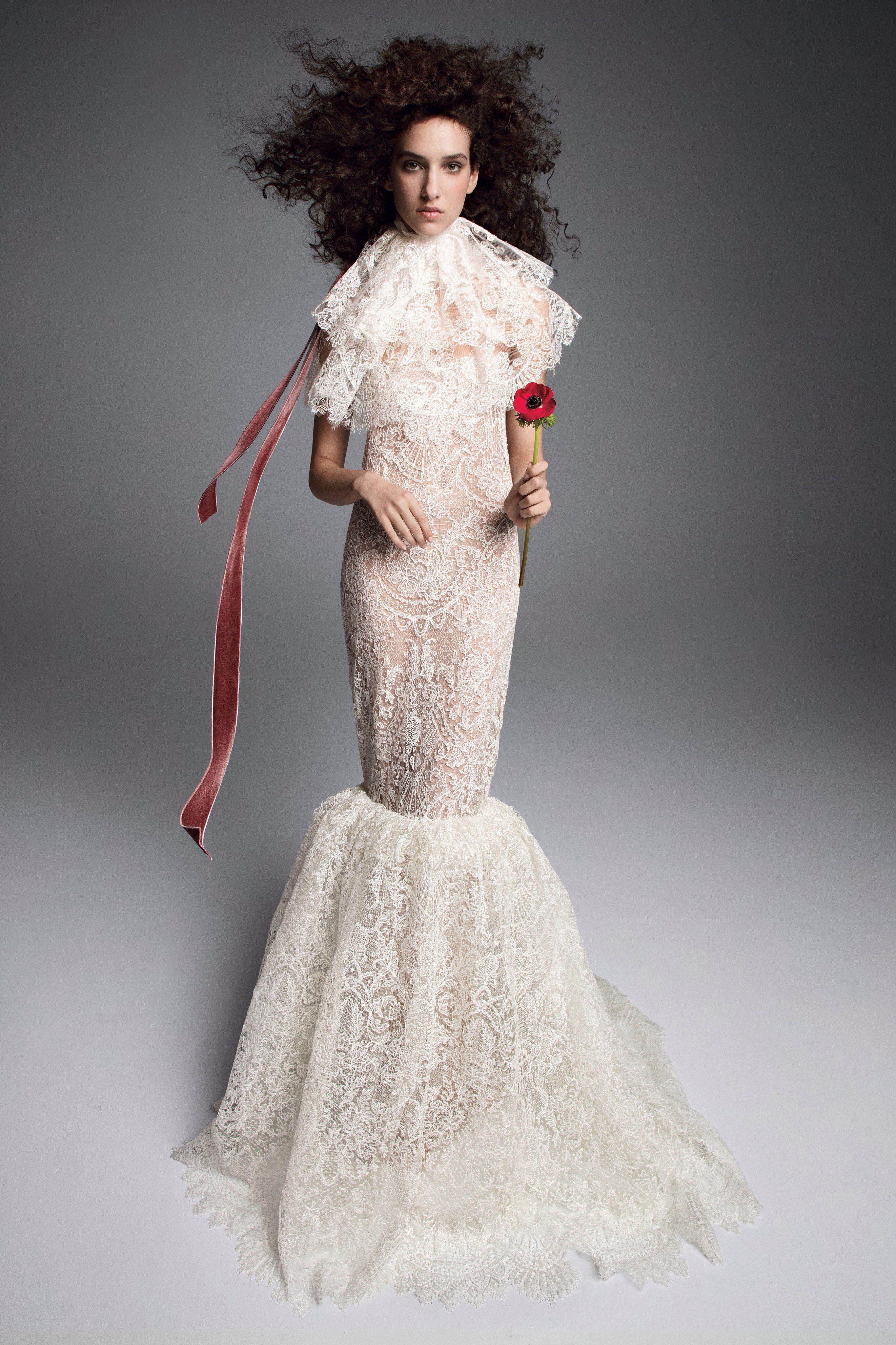 3c90ccba9f3 Vera Wang Fall 2019 Bridal Fashion Show Collection