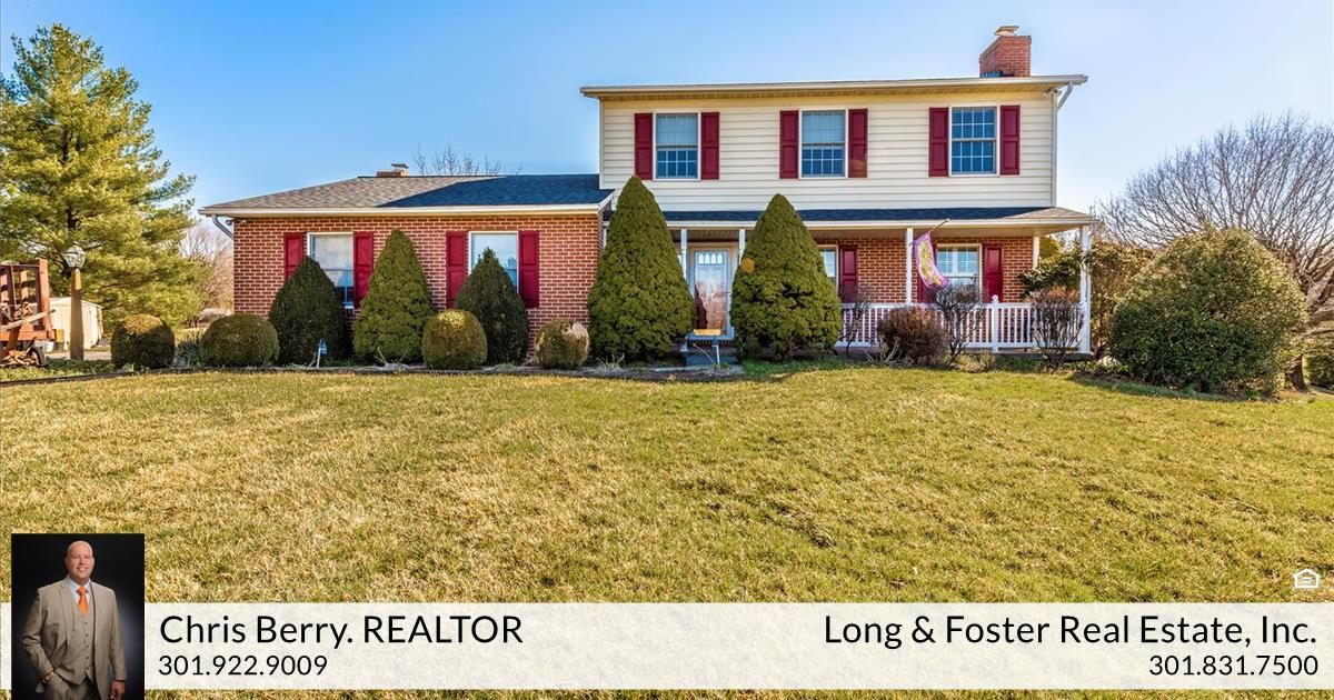 Chris Berry And The Maryland Group Of Long Foster Realtors Just Listed 2507 Vance Drive Mount Airy Md 21771 W Mount Airy In Ground Pools Summer Entertaining