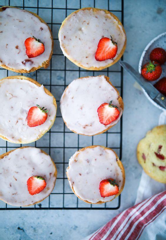 Soft Bröd Rezept : rezept f r erdbeer vanille amerikaner soft strawberry black and white cookies rezept rezepte ~ Watch28wear.com Haus und Dekorationen