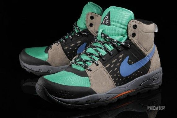 Nike ACG Alder Mid – Khaki - Gamma Green - Black - Distance Blue -  SneakerNews