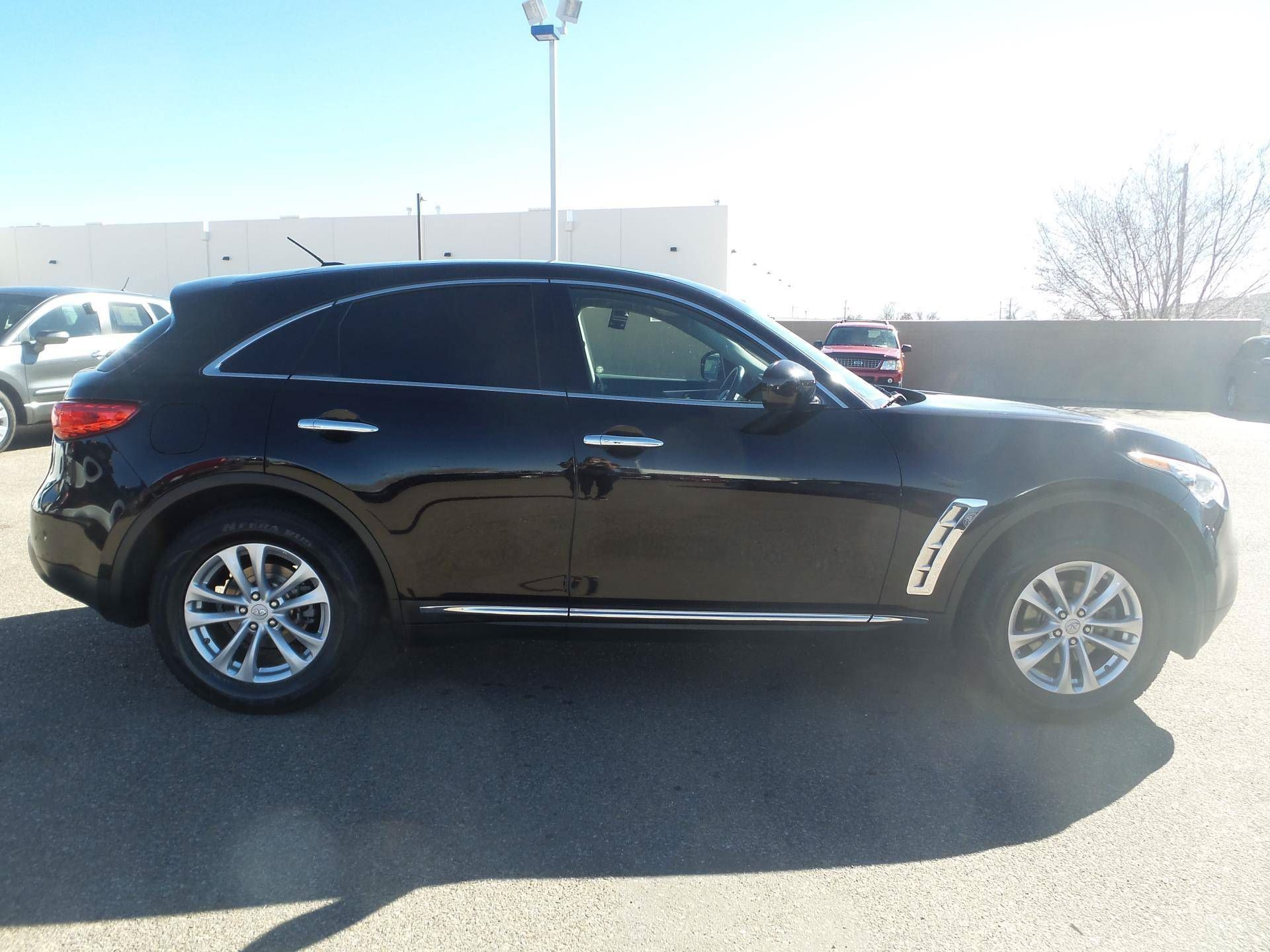 features front price infinity exterior base side suv used photos view reviews infiniti